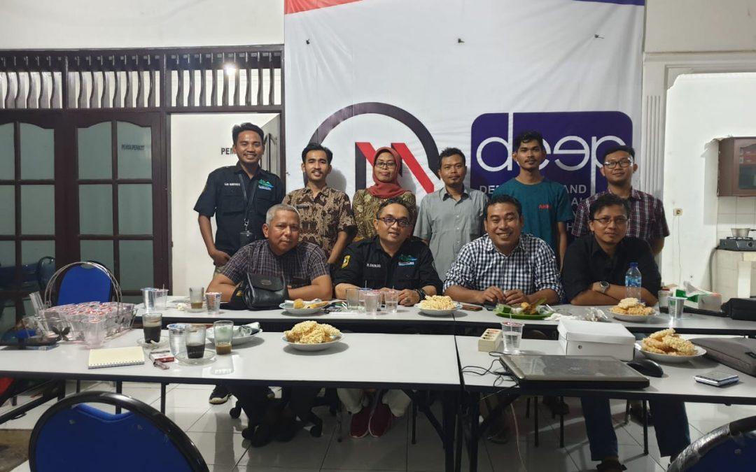 Yayasan ViNus Maju bersilaturahmi dengan Kepala Desa Cihideung Udik dalam Rangka Melakukan Pemberdayaan Desa